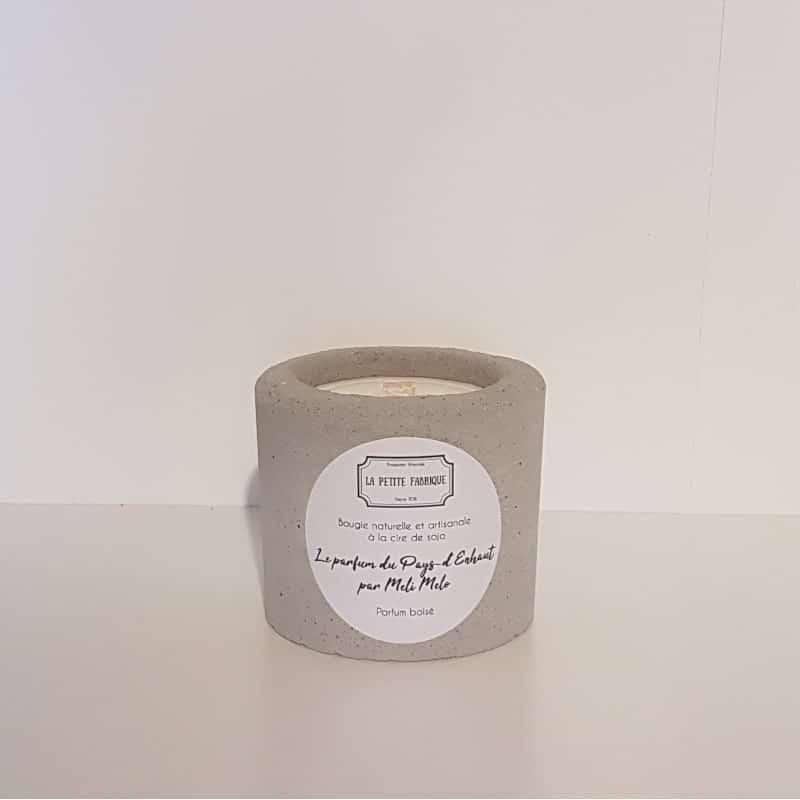 Bougie béton | Parfum boisé | Le parfum du Pays-d'Enhaut par Meli Melo | Meli Melo